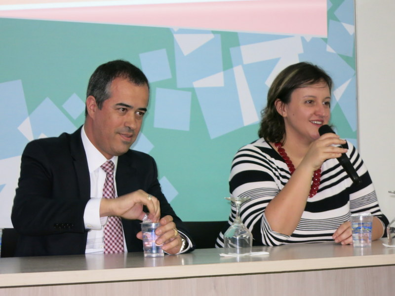 Luis Vargas (Travelport) and Mariana Aldrigui (GTTP) sharing information on tourism careers